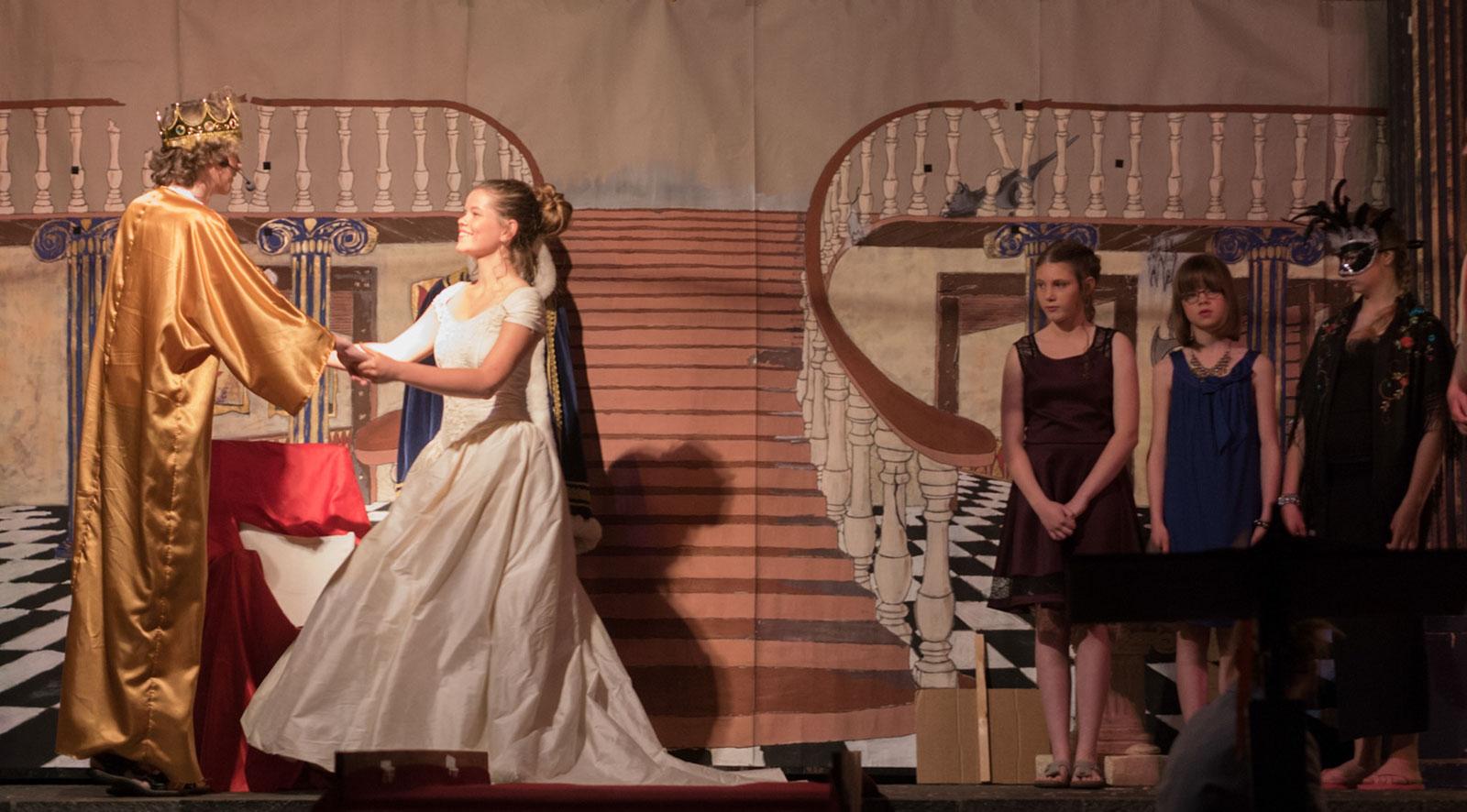 theater dienst Lef!